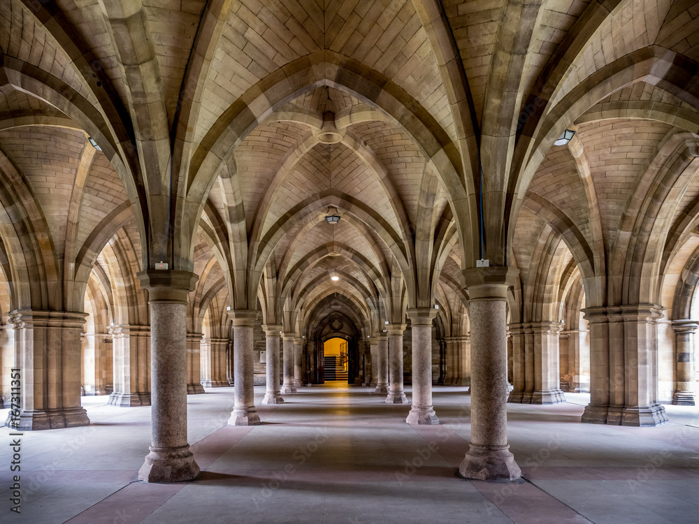 Fototapety, obrazy: Cloisters connecting the quadrangles at the main University of Glasgow building. The university is the oldest in Scotland and one of the oldest in the United Kingdom.
