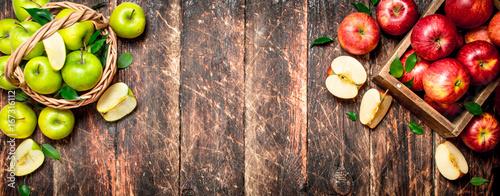Plakat Czerwone i zielone jabłka.