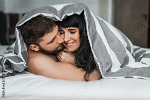 how to make love to man in bed