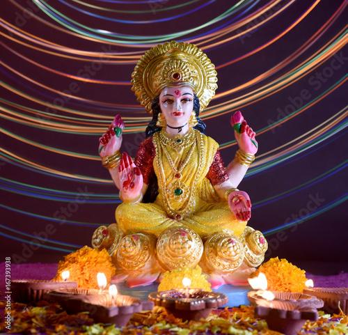 Plakat Lakshmi - hinduska bogini, bogini Lakshmi. Bogini Lakszmi podczas obchodów Diwali. Indian Hindu Light Festival zwany Diwali
