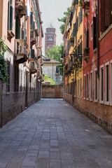 Fototapeta na wymiar Straße in Venedig