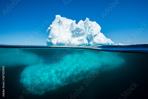 Photo Underwater ice floe edge formations on a sunny day, Admiralty Sound, Baffin Island, Canada