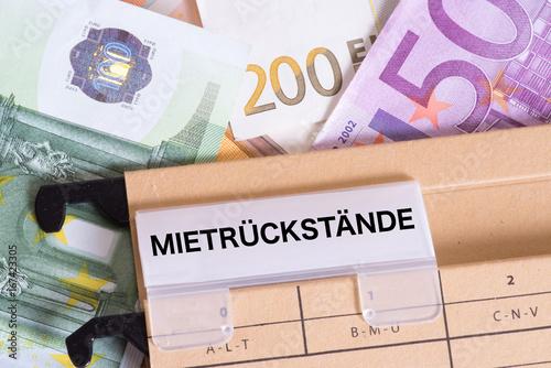 Photo Euro Geldscheine und Mietrückstände