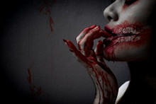 Zombie Women Death The Ghost Drain Hand Blood Skin Is Screaming
