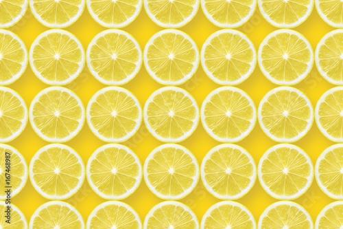 Cuadros en Lienzo lemon slices over yellow