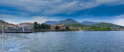 Valokuvatapetti Lake view of Luino at Lake Maggiore with ferry boat - Luino, Lake Maggiore, Lomb