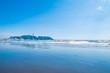 片瀬海岸と夏の江ノ島