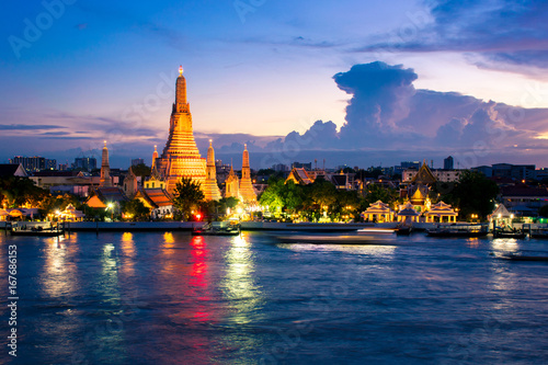 Tuinposter Bangkok Wat Arun after finished renovation in July 2017. Wat Arun is one of famous Landmark of Bangkok.