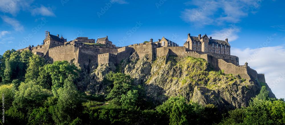 Fototapety, obrazy: Panoramic image of Edinburgh Castle.