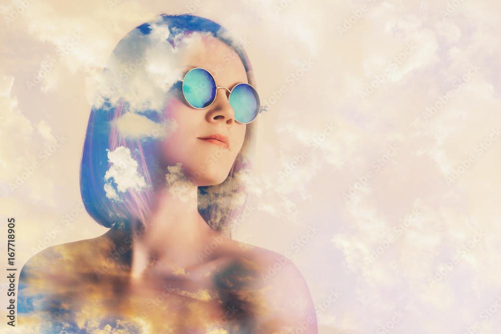 Fototapeta surreal woman