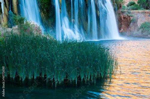 Havasupai Waterfalls in Arizona © jon manjeot