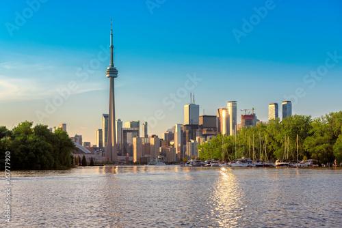 Zdjęcie XXL Toronto miasta linia horyzontu od centrum wyspy przy zmierzchem, Ontario, Kanada