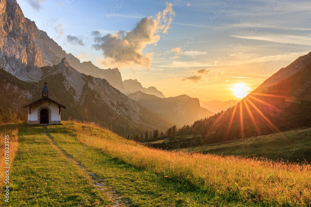 Fototapety, obrazy: Sonnenuntergang auf der Hallerangeralm im Karwendel
