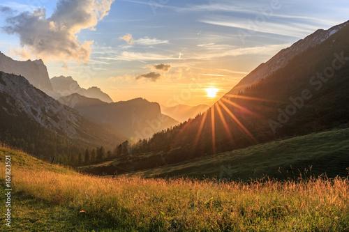Fotografía Sonnenuntergang auf der Hallerangeralm im Karwendel