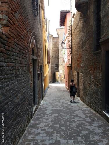 Poster Smal steegje passeggiando per i vicoli di Moncalvo