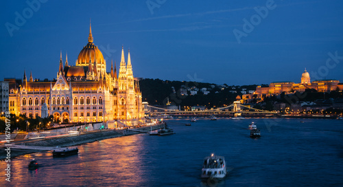 Parliament Building in Budapest, night view Wallpaper Mural