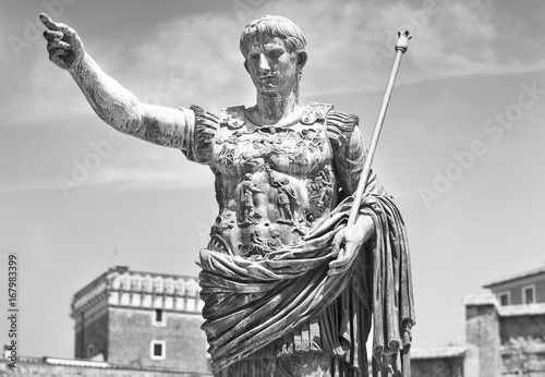 Augustus: the roman emperor Canvas-taulu