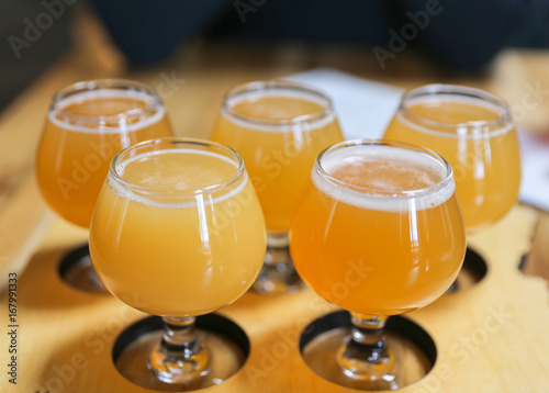 фотография Hazy IPA Craft Beer Tasting Flight