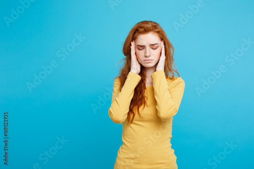 Fotografia  Healthcare Concept - Portrait of young beautiful ginger woman feeling sick and stressful