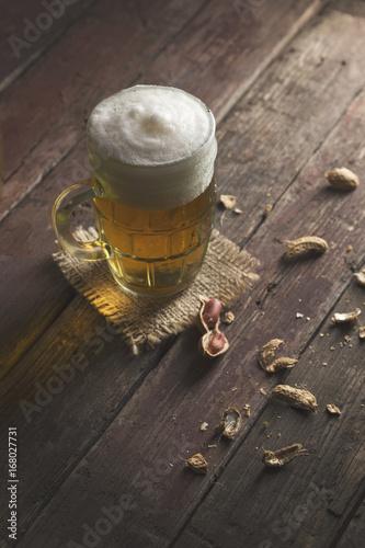 Fototapeta Peanuts and cold beer obraz na płótnie