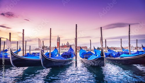 Spoed Foto op Canvas Gondolas venice at sunrise