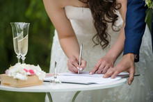 Bride Is Singing Contract Outd...