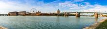 Panoramique De La Garonne à Toulouse, Occitanie En France