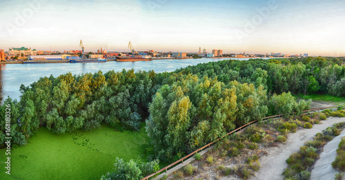 Papiers peints Piscine View of the Volga River embankment from the bridge, cityscape, Astrakhan, Russia