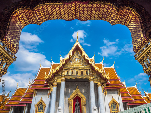 Photo  Wat Benchamabophit or the Marble Temple in Bangkok Thailand.