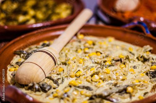 Foto Plato tradicional de comida mexicana
