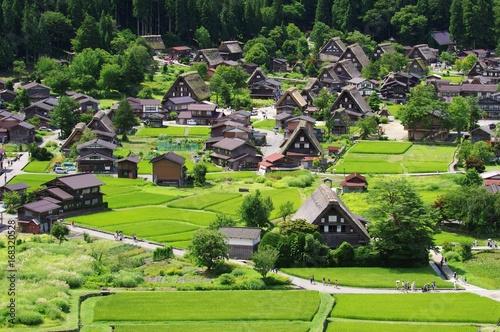 Deurstickers Japan Shirakawago in Hida Japan, Gassho-Zukuri Village 白川郷 飛騨の夏