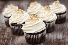Chocolate Cupcakes With Vanill...