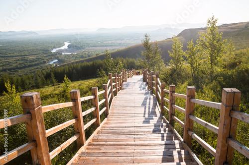 Drewniane schody na zewnątrz
