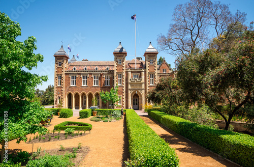 Government House and landscaped garden in Perth City center Tablou Canvas