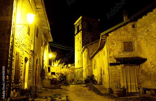 Fotografie, Obraz  denzano chiesa pieve romanica di notte