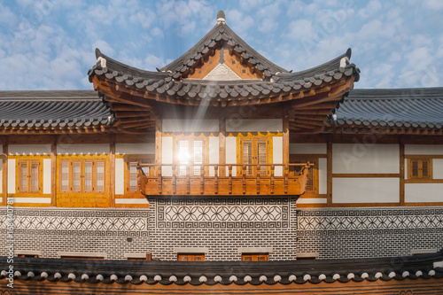 Photo  Korean Traditional House at Songdo Central Park, South Korea