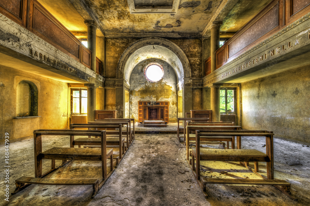 Fototapety, obrazy: Interior of abandoned chapel