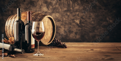 Spoed Foto op Canvas Wijn Traditional winemaking and wine tasting