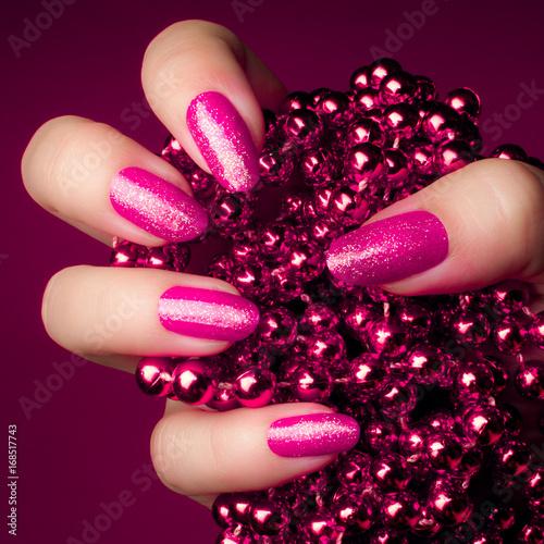 Staande foto Manicure pink nails manicure