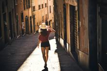 Tourist Girl, Traveling, Touri...