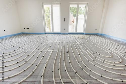 Carta da parati  Hausbau mit Innenausbau der Fußbodenheizung und Sanitär
