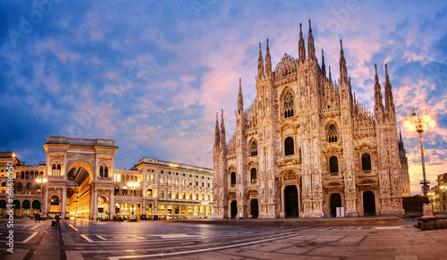 Poster Europa Milan Cathedral on sunrise, Italy