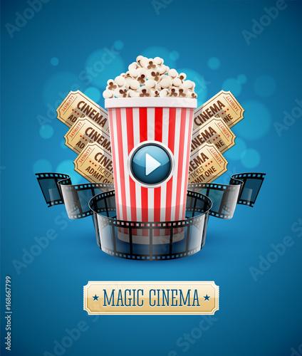 plakat-filmowy-z-popcornem-i-biletami-kinowymi-na-niebieskim-tle