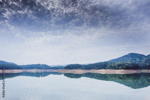 Papiers peints Alpes Beautiful reservoir scenery in summer