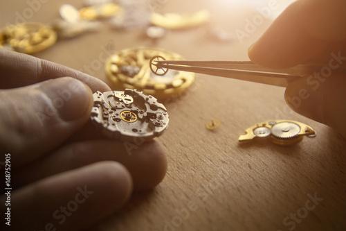 Fotografía  Mechanical watch repair