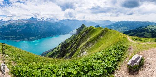 Foto  Panorama mit Brienzersee, Blick vom Augstmatthorn Richtung Interlaken, Berner Ob