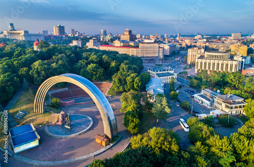 Staande foto Kiev Aerial view of Kiev with Friendship of Nations Arch and European Square - Ukraine