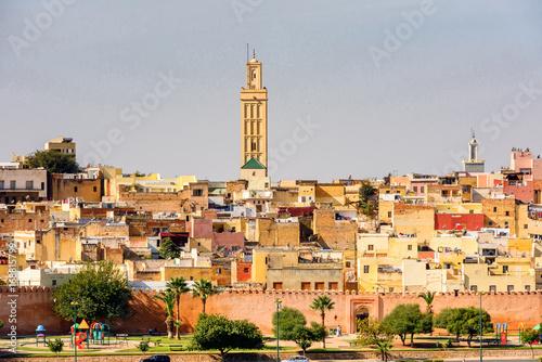Fototapeta Panoramiczny widok na miasto Meknes w Maroku do salonu