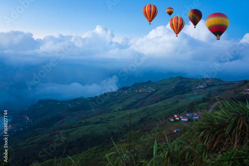 Poster Balloon ballooning mountain landscape,