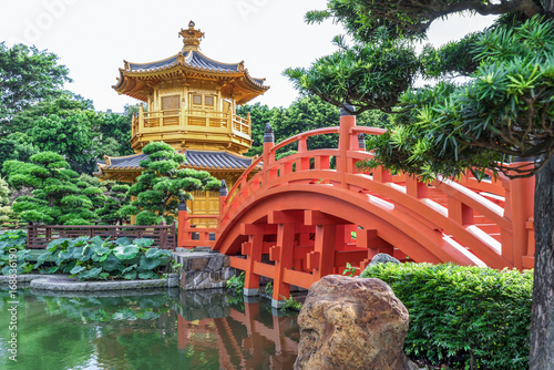 Foto op Plexiglas China Golden Temple in Nan Lian Garden, Chi Lin Nunnery, Hong Kong.